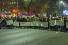 Dag 3 Antioverheidsprotesteerders in Boekarest Stock Foto's