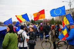 dag 54 av anti-korruptionprotesten, Bucharest, Rumänien Fotografering för Bildbyråer