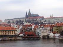 Dag dag i mitt av Prague Arkivbild