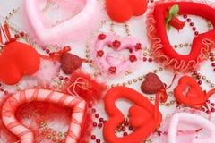 Dag de van achtergrond harten van de Valentijnskaart Stock Fotografie