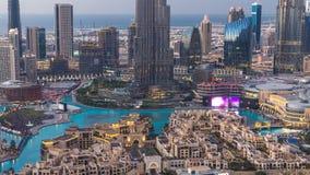 Dag de Van de binnenstad van Doubai aan nacht timelapse mening vanaf de bovenkant in Doubai, Verenigde Arabische Emiraten stock footage