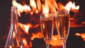 Dag för Champagneexponeringsglasvalentin stock video