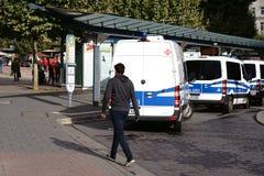 Dag för polisbil av tysk enhet Arkivbilder