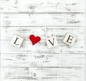 Dag för valentin för hjärta för bokstavsFÖRÄLSKELSE röd Fotografering för Bildbyråer