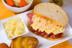 Dag Reuben Sandwich för St Patricks Arkivfoto
