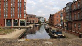 Dag Tid för Leeds kanalbro arkivfoto