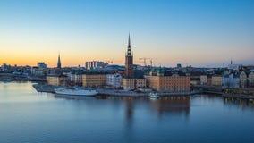 Dag till den videopd tidschackningsperioden för natt av Gamla Stan för Stockholm stadshorisont timelapse, video 4K arkivfilmer
