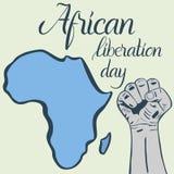 Dag van de inschrijvings de Afrikaanse die bevrijding, handen in vuist en kaart van Afrika worden dichtgeklemd Stock Fotografie
