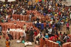 Dag van markt in Mande ethiopië Royalty-vrije Stock Foto's