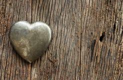 Dag van metaal de hart gestalte gegeven valentijnskaarten Royalty-vrije Stock Foto's