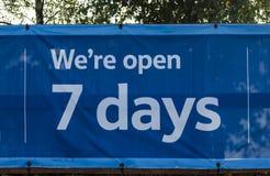 7 dagar öppnar Royaltyfri Fotografi