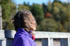dagdrömma kvinna fotografering för bildbyråer
