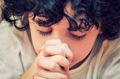 Dagelijkse gebed en verhouding met de Schepper Stock Afbeeldingen