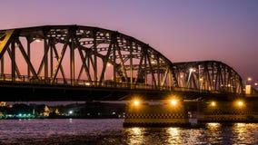 dagen för 4K Timelapse till natten, är den Bangkok bron en bro in i den i stadens centrum Bangkok staden arkivfilmer