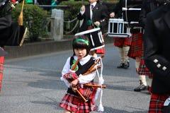 Dagen för St Patricks ståtar i upptagna i stadens centrum tokyo Fotografering för Bildbyråer