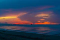 Dagen såg jag den färgrika himlen Royaltyfria Bilder