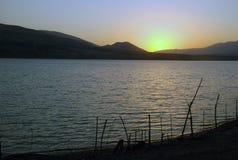 Dageraad van het reservoir Stock Foto's