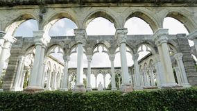 Daglichtschuine stand van een oud Monument in de Bahamas omhoog wordt geschoten die stock video