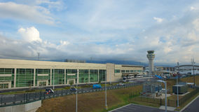 Daglig aktivitet i den Mariscal Sucre internationella flygplatsen av staden av Quito Royaltyfria Bilder