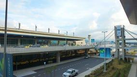 Daglig aktivitet i den Mariscal Sucre internationella flygplatsen av staden av Quito Arkivbilder