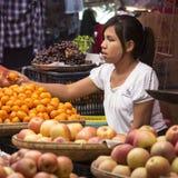 Marknadsföra stallen - Bagan - Myanmar Arkivfoto