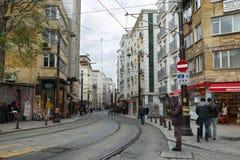 Dagligt liv i den historiska mitten av Istanbul Royaltyfria Bilder