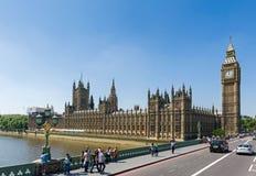 Dagligt liv på den Londons gatan Royaltyfria Foton