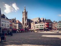 Dagsikt av marknadsfyrkanten Roermond Nederländerna Arkivbild