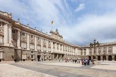 Dagsikt av Royal Palace i Madrid Royaltyfria Bilder
