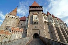 Dagsikt på den Corvin slotten Royaltyfri Bild