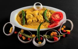 Dahi-Murg, or Chicken-Curd with raw vegetables royalty free stock photography