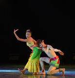 Dai ο ζεύγος-εθνικός λαϊκός χορός Στοκ Φωτογραφίες