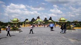 Dai Nam Van Hien is een toerisme complex in Binh Duong-provincie, Vietnam stock video
