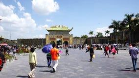Dai Nam Van Hien is een toerisme complex in Binh Duong-provincie, Vietnam stock videobeelden