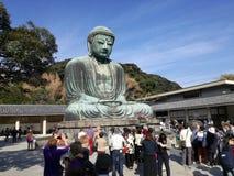 Daibutsu,了不起的菩萨的大古铜色雕象 库存图片