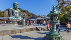 Daibutsu - большой Будда виска Kotokuin внутри стоковые фото