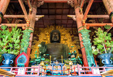 Daibutsu, het Reuzestandbeeld van Boedha in tempel Todai -todai-ji - Nara Stock Fotografie