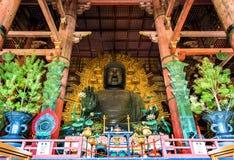 Daibutsu jätte- Buddhastaty i den Todai-ji templet - Nara Arkivbild