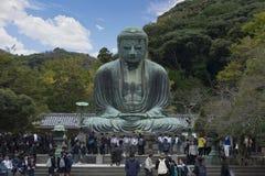 Daibutsu stor Buddhaskulptur är gränsmärket av Tokyo, Japan Arkivfoto
