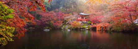 Daigo籍寺庙在秋天 免版税库存照片