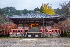 Daigo-ji tempel i höst arkivfoto