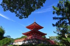 Daikakuji寺庙,京都日本银朱的塔  图库摄影