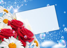 Daisies, roses and paper Royalty Free Stock Photography
