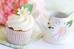 Daisy cupcake Stock Photo