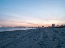 daj się narażenia na plaży wolnym miękkim sunset fala bardzo Obraz Royalty Free