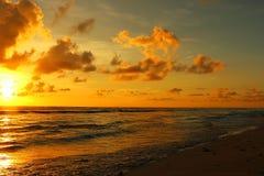 daj się narażenia na plaży wolnym miękkim sunset fala bardzo Obrazy Stock