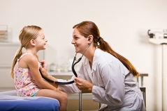 daje biuru doktorska checkup dziewczyna Zdjęcie Royalty Free