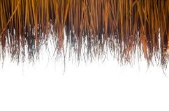 Dak dat van droog gras wordt gemaakt stock afbeeldingen