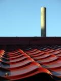 Dak en schoorsteen Stock Fotografie