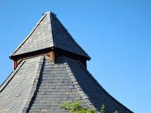 Dak van gazebo tegen briljante blauwe hemel Stock Fotografie